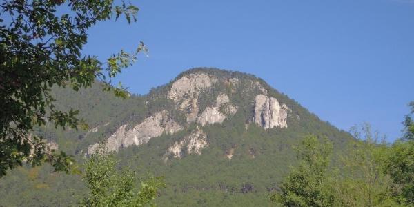 ... mit Blick hinauf zum Geyerstein ( Jubiläumsaussicht)...