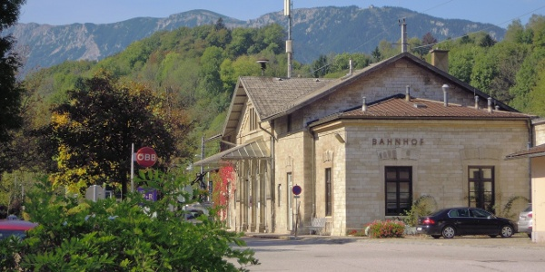 Der historische Payerbacher Bahnhof als Ausgangspunkt...