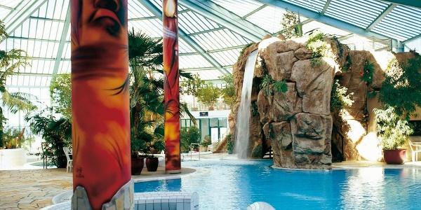 Der Wasserfall im Tropenbad