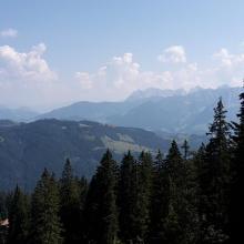 Blick auf Kaisergebirge aus dem Weg zwischen Spitzsteinhaus und Brandelberg