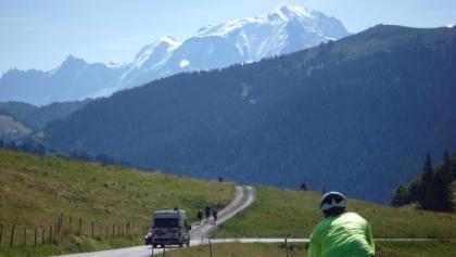 Descente Col des Aravis (vue sur Mont-Blanc)