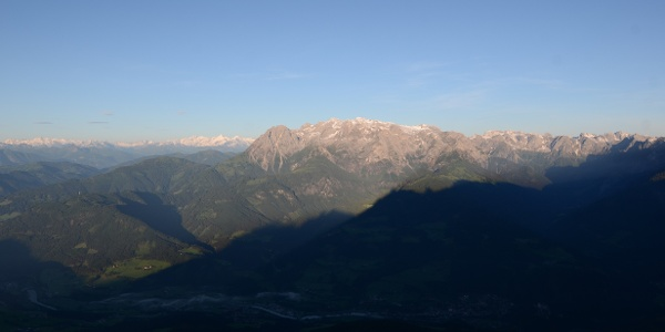 Morgen an der Werfener Hütte mit Blick auf Tauern und Hochkönig
