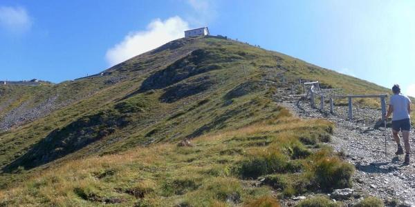 Helm - Gipfelhang mit gleichnamigen Haus