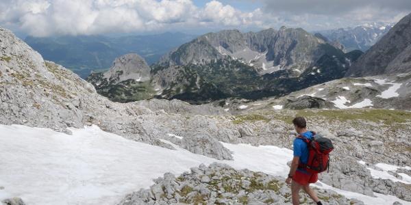 Mühsam , aber schön ist der Abstieg vom Bleikogel Richtung Laufener Hütte.