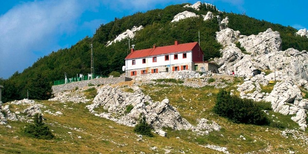 Planinarski dom Zavižan
