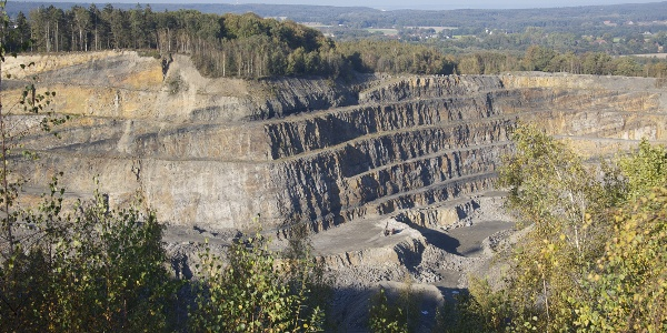 Blick in den Piesberg, einen der größten Hartsteinbrüche Europas