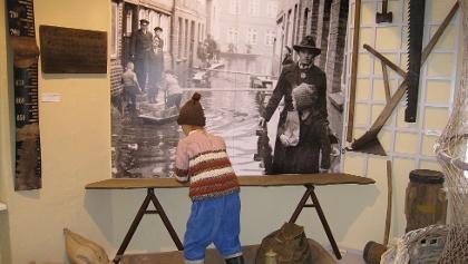 2013-02-27 Dauerausstellung, Installation Hochwasser, R4