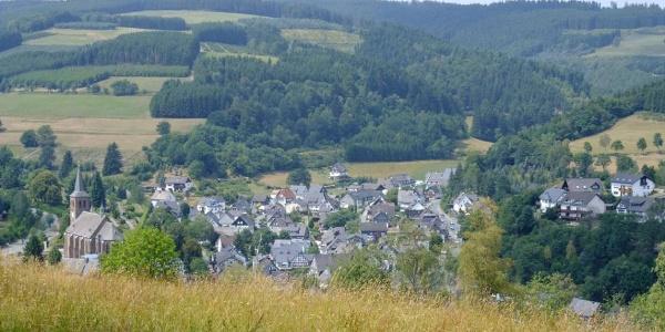 Blick vom Hackelberg auf Züschen