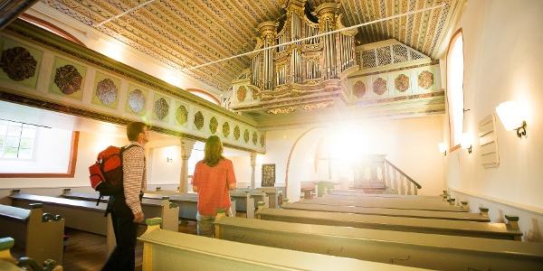 Besichtigung der Stumm-Orgel in der Ev. Kirche Sulzbach