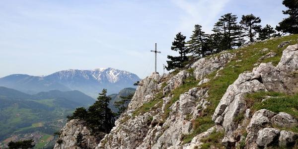 Gipfelkreuz bei der Wilhelm-Eichert Hütte