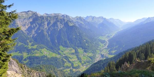 Blick auf den Arlberg (Klostertal)