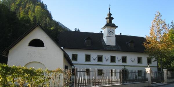 Das Jagdschlösschen in Rosenbach bei Morgenlicht