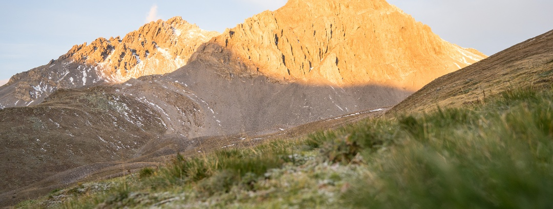 Der Piz Amalia bei Sonnenaufgang.