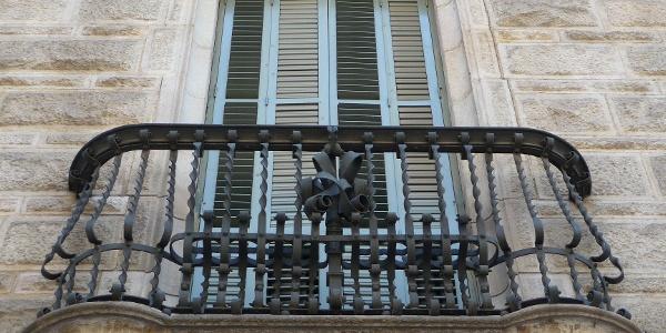 Ein Balkon der Casa Calvet