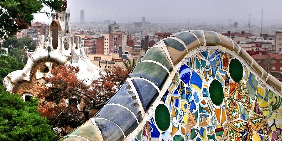 Guardando il centro di Barcellona da Parco Güell