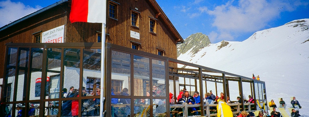 Tuxerjoch-Haus, beliebter Stützpunkt für Schifahrer, Hintertuxer Gletscher