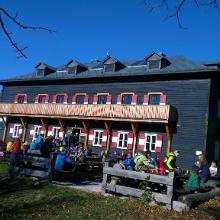 Peolsteinhaus mit Aussichtsplattform