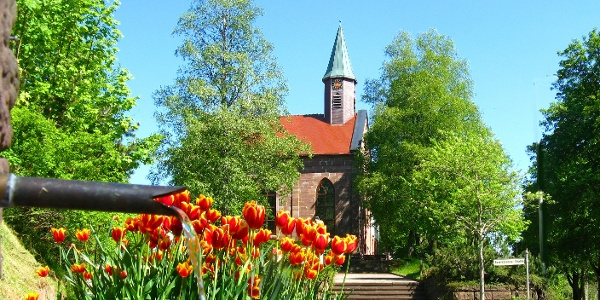 Kirche Dorfmitte