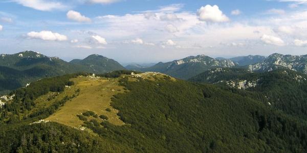 Mali Rajinac i Rožanski kukovi s Velikog Zavižana
