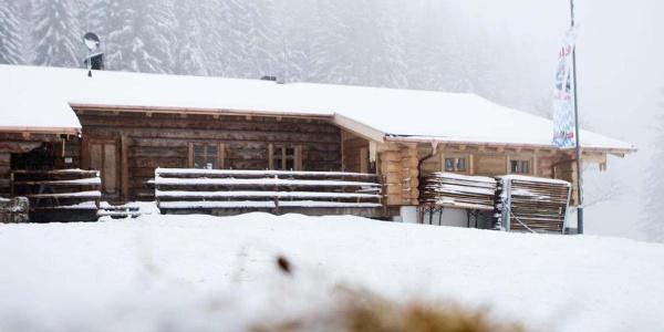 Schneeschuhwanderung-von-Unterammergau-nach-Oberammergau-an-der-Kolbensattelhuette
