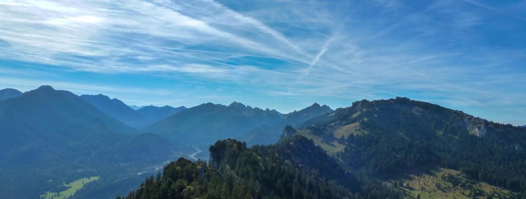 Bergtour - Gratüberschreitung im königlichen Jagdrevier - Blick ins hintere Graswangtal