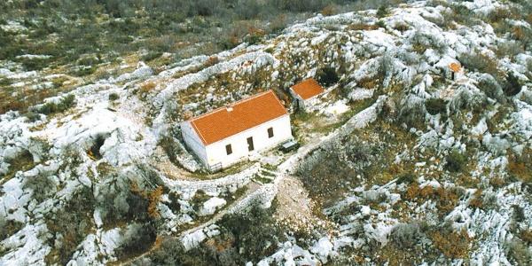 Mountain hut Lugarnica