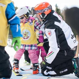 Kids ski school Obereggen