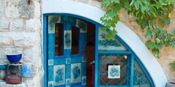 כניסה לבית אמנים בצפת