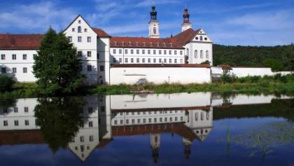 Wechsel auf die linke Naabseite beim Kloster Pielenhofen