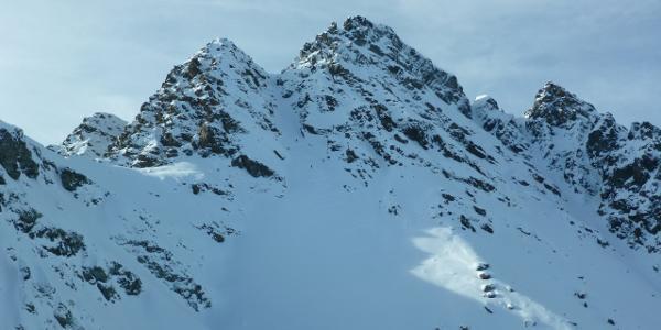 Isentällispitzen - Links ist das Ziel,die Südspitze