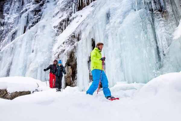 Schneeschuhe und Winterwandern