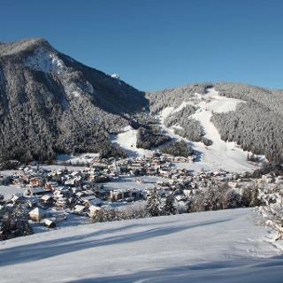 Dorf mit Blick auf dem Piz de Plaies
