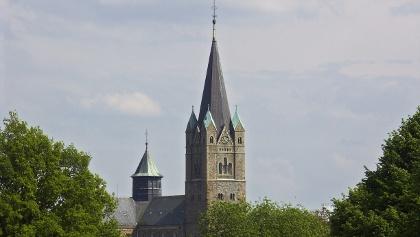 Hoch hinaus: Mit 79m Höhe ist der Ankumer Dom schon von weitem sichtbar