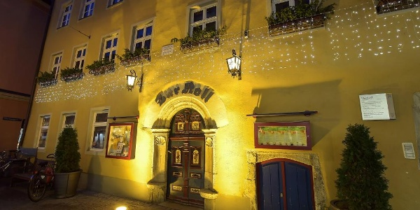 """Hotel """"Zur Noll"""" bei Nacht"""