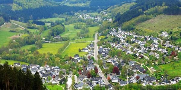 Blick auf Saalhausen