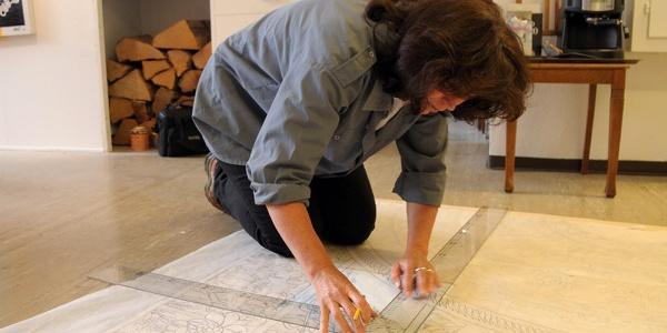 Monika Flütsch während der Arbeit