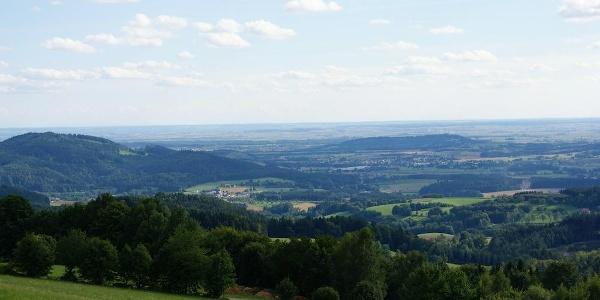 Blick von Pillersberg zum Bogenberg und Gäuboden