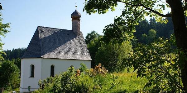 Kapelle St. Leonhard am Wanderweg Nr. 2