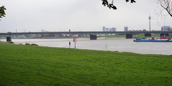 Blick nach Düsseldorf