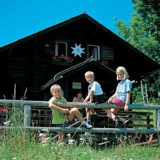 Kinder bei der Scheiben Hütte
