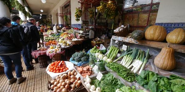 Gemüsestand im Mercado dos Lavradores, Funchal