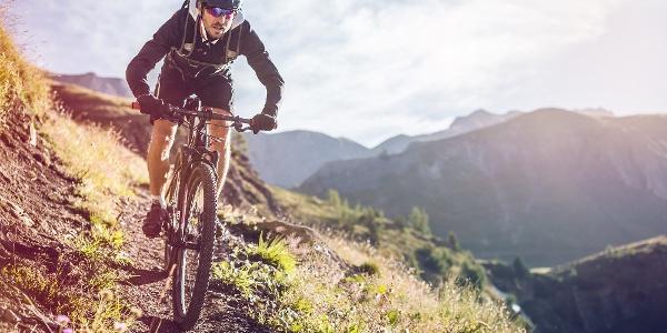 Mountainbiker bei Crans-Montana
