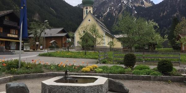 Vorplatz Tourismusbüro Partenen