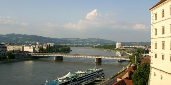 Schiffsanlegestelle Linz-Schloss