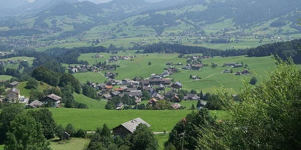 Blick auf Schwarzenberg von der Bödelestraße