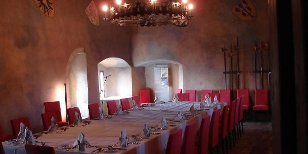Rittersaal der Burg Hohenklingen