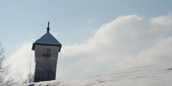 Verschneite Winterlandschaft in Fischbach