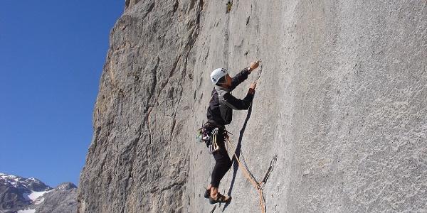 Kletterer in der Südwand der Torsäule