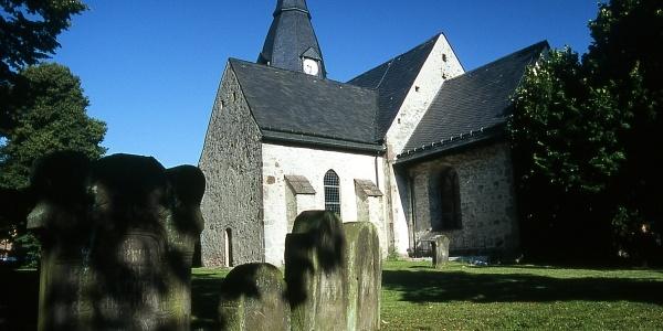 Romanische Dorfkirche in Reelkirchen