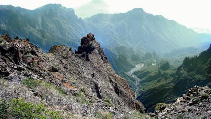 Ausblick in das Hinterland des Vulkans